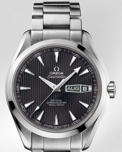 Omega Seamaster Aqua Terra Annual Calendar r ref.231.10.43.22.06.001 con cassa in acciaio