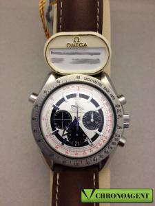 Omega Speedmaster Broad Arrow w ref. 3882.31.37 con cassa in acciaio quadrante bianco con indici a bastone